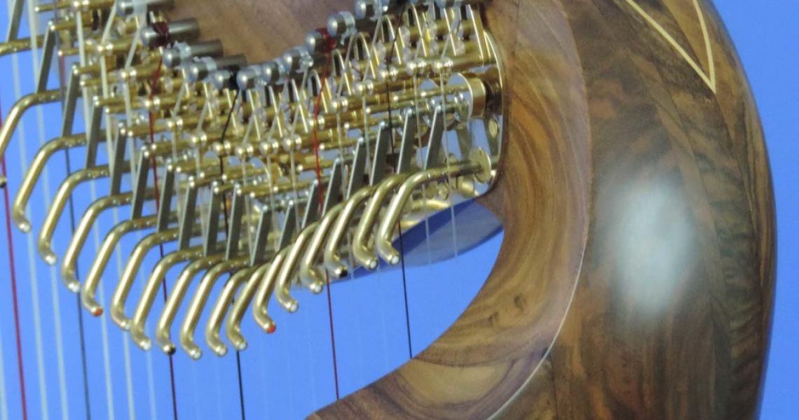 Lever Harp detail